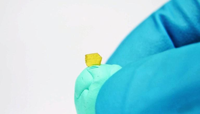 New Breakthrough Crystal Heals Itself After Being Broken in Half